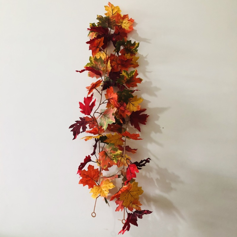 Maple Leaves Thanksgiving Decoration