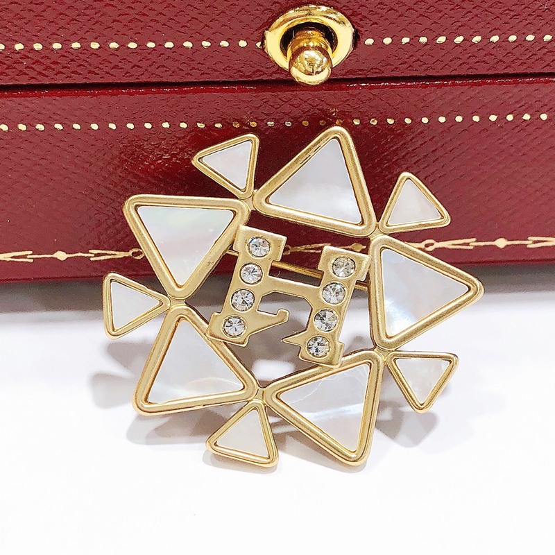 Star Flower Brooch with faux Diamonds for Sweaters and Scarves