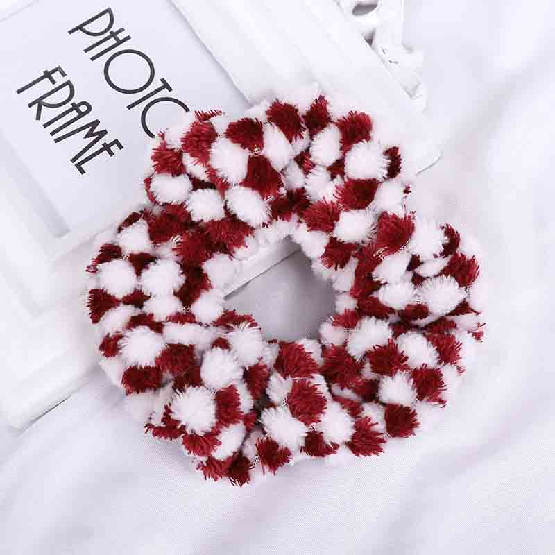 Two-Tone Diamond Plaid Scrunchie for Afternoon Get-Together