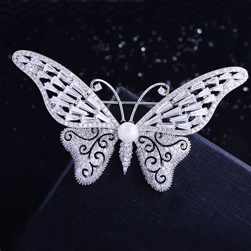 Micro-Inlaid Zircon Butterfly Brooch for Elegant Fashionable Attire