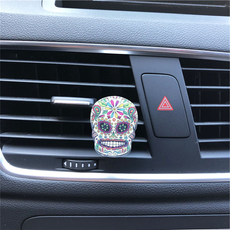 Colorful Skull Perfume for Car Air Purification and Interior Decoration