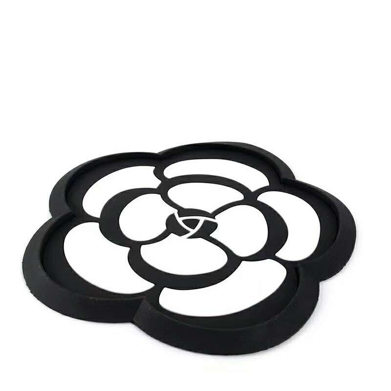 Minimalist Black and White Floral Anti-slip Mat for Car Accessories