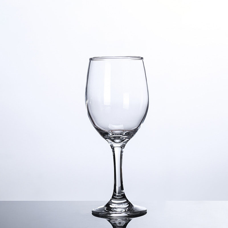 Clear Wine Goblets for Dinner Dates