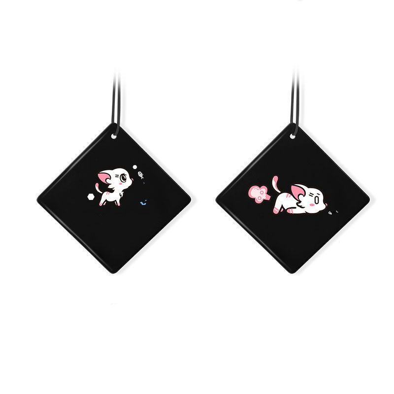 Cute Mirror Charm with Healthy Scent of Essential Oils for Fresh Cars