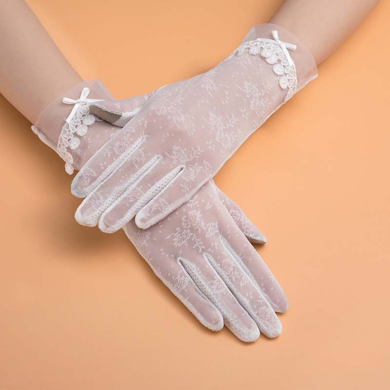 Comfy and Non-Slip Sunscreen Gloves for Driving