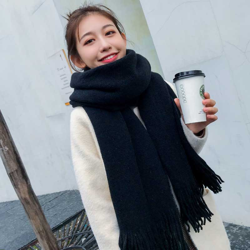 Thick Knitted Scarf for Warm yet Fashionable Winter