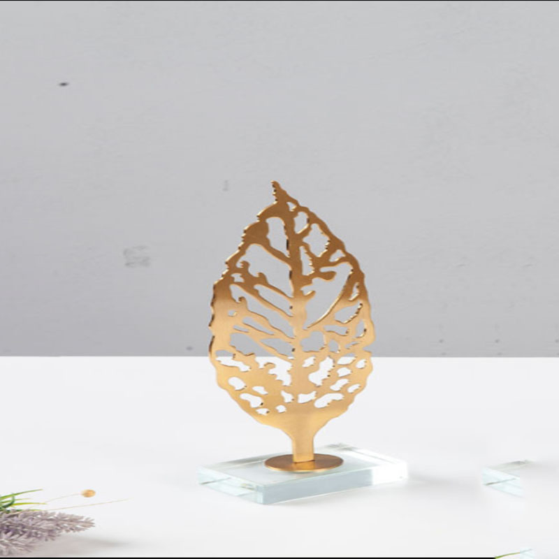 Stylish Gold-plated Metal Leaf for Table Decoration