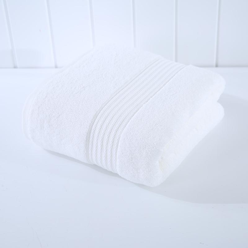 Comfy and Thick Cotton Bath Towel with Stripped Accent for Full Body Use