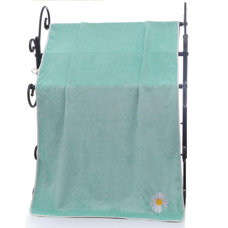 Quick-Drying Single Flower Soft Towel for Bath Use