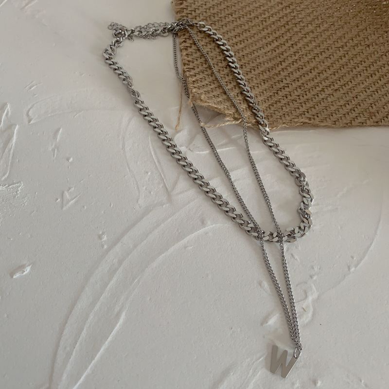 "Thick and Thin Contrasting Chain ""W"" Necklace for Trendy Looks"