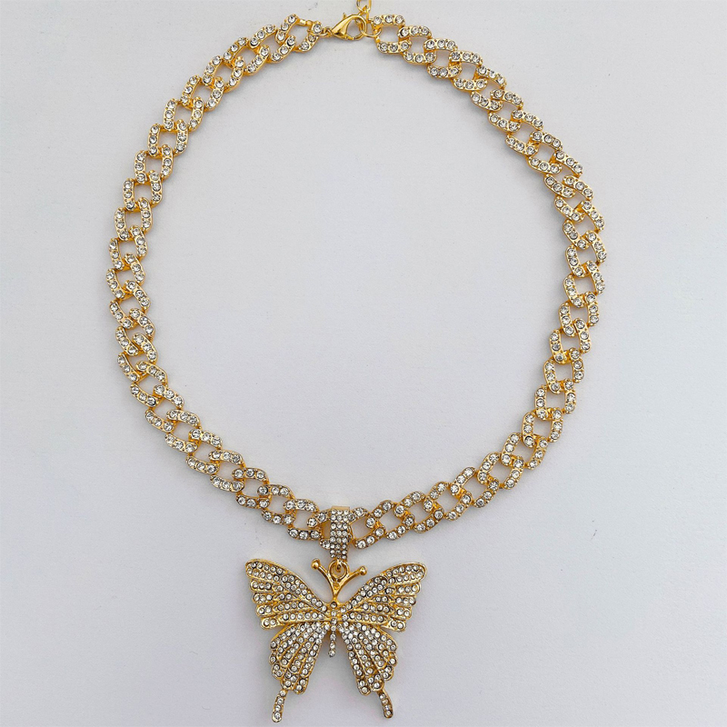 Embellished Butterfly Chunky Chain Necklace for Statement Pieces