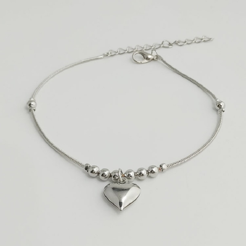 Three-Dimensional Spheres and Heart Charm Anklet for Dainty Outfits