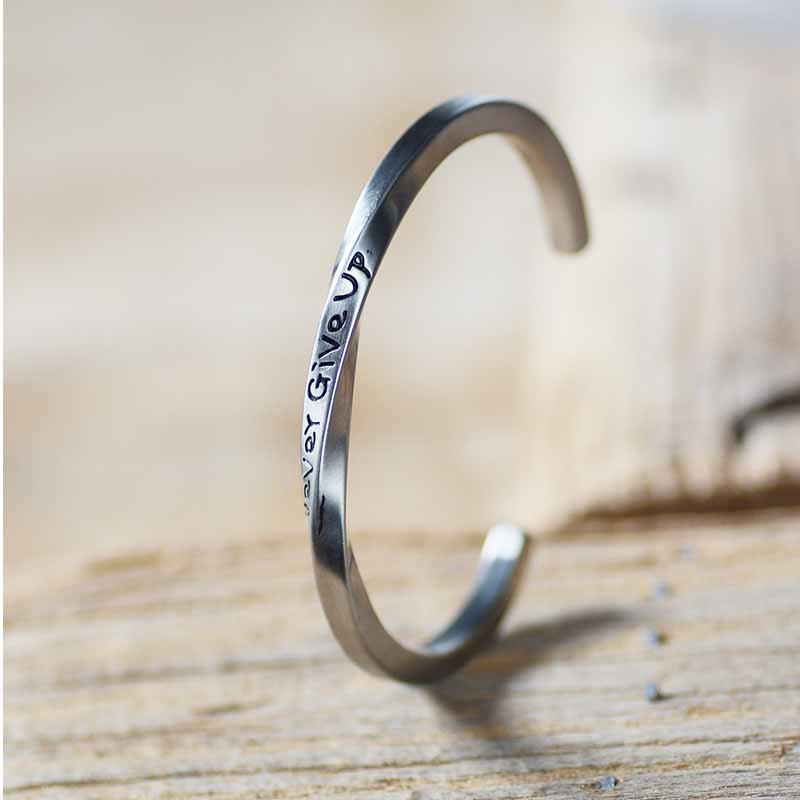 Silver Engraved Never Give Up Bravelet for Boyfriends