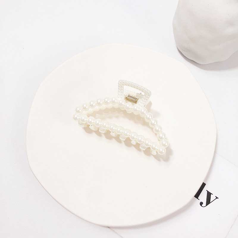 Adorable Faux Pearl Hairclaw for Elite Fashion