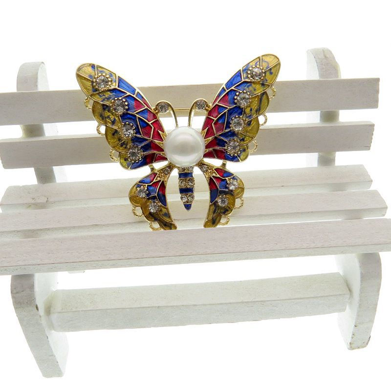 Intricate Butterfly with Faux Pearl Brooch for Formal Wear