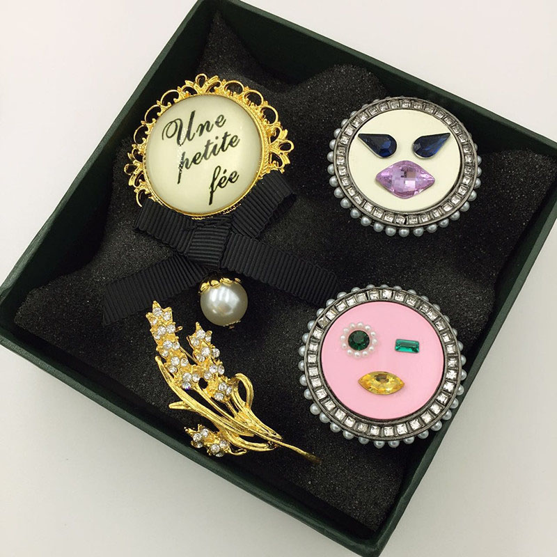 Eccentric Novelty Brooch for Casual Wear