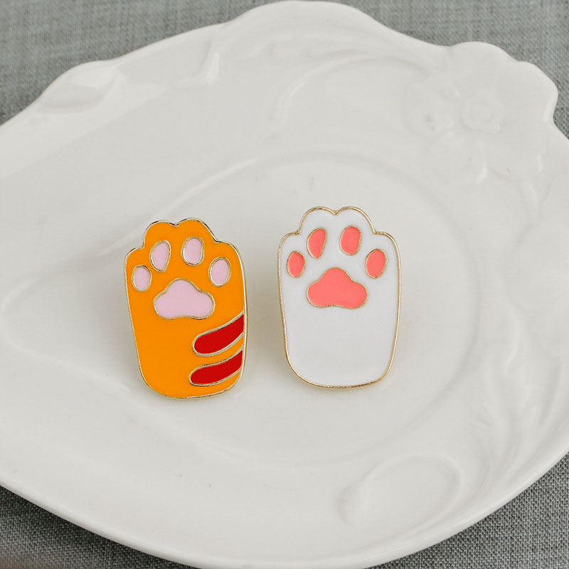 Adorable Pet Paw Brooch for Bags or Jackets