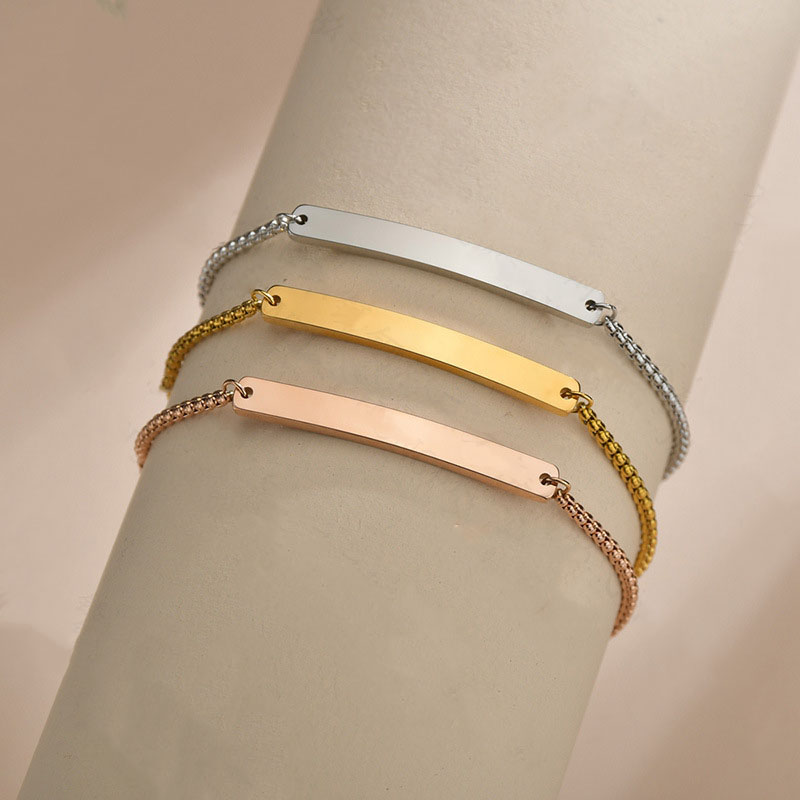 Classy Thin and Blank Nameplate Box Chain Bracelet for Exaggerating Feminine Wrists