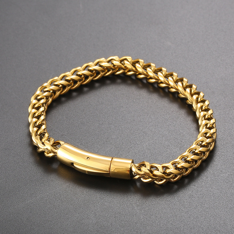 Enlarged Palma Chain Bracelets for Statement Looks
