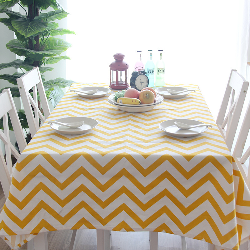 Adorable Fabricated Tablecloth for Dinning Table