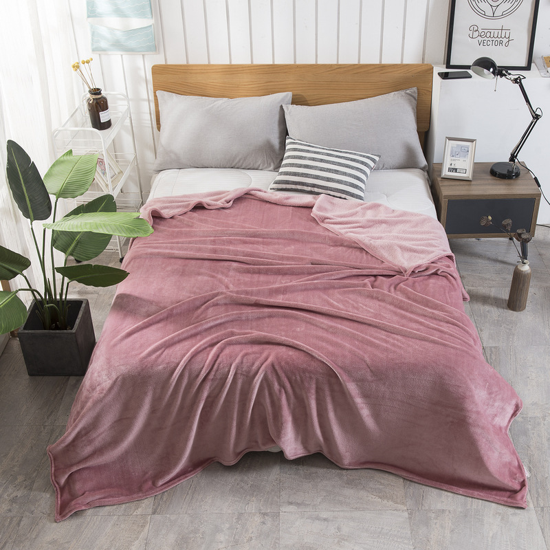 Pretty Soft Polyester Blankets for Airconditioned Rooms
