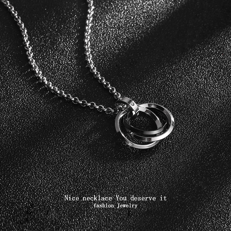 Intertwined Rings Pendant Chain Necklace for Skater Boy Aesthetic Looks