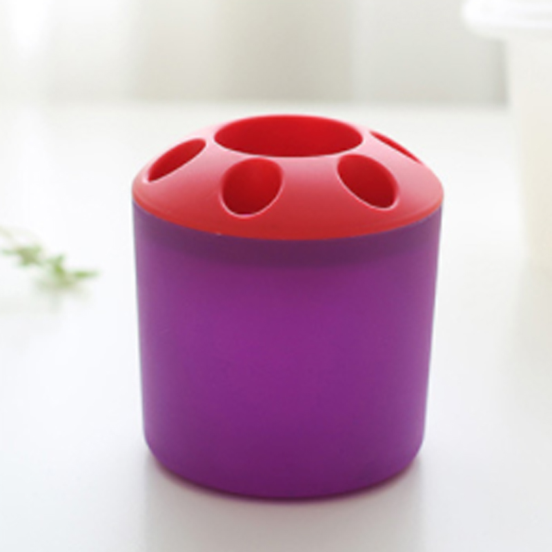 Two-Toned Plastic Toothbrush Holder for Kid's Bathrooms
