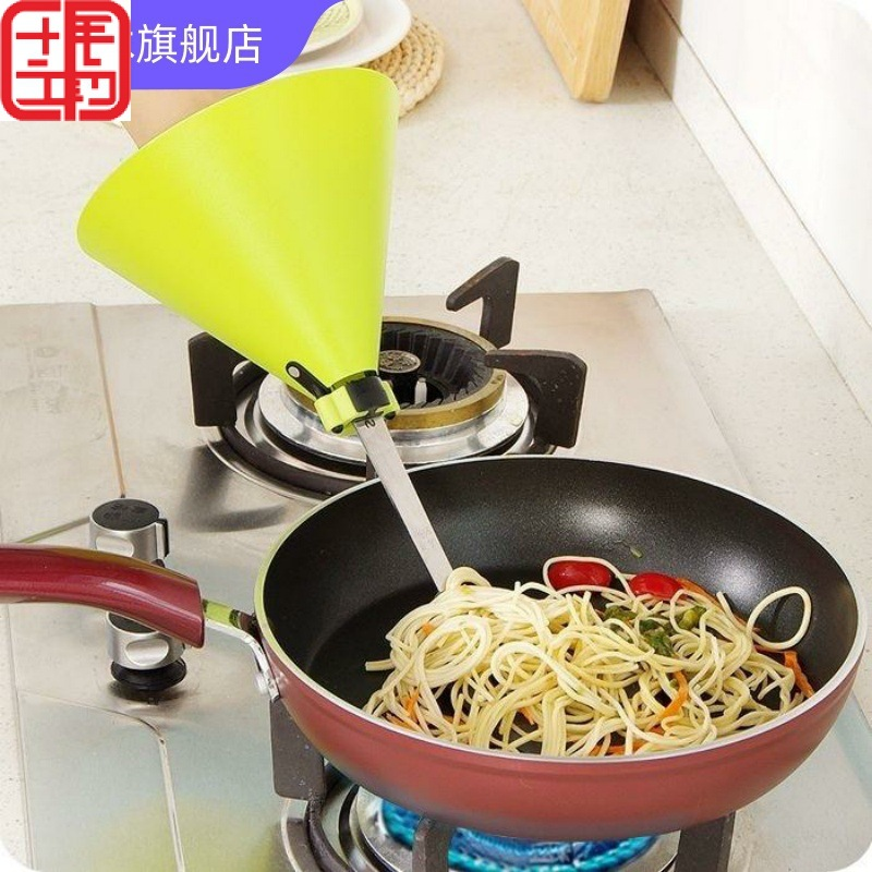 Innovative Spatula Cover for Protecting Your Hands while Cooking