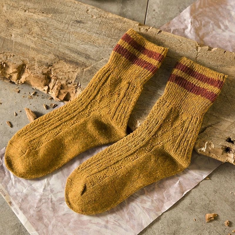 Knitted Warm Wool Socks for Retro Style
