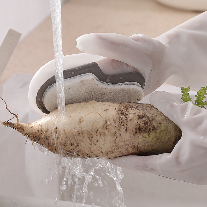 Nifty Sponge-Attached Gloves for Washing Produce