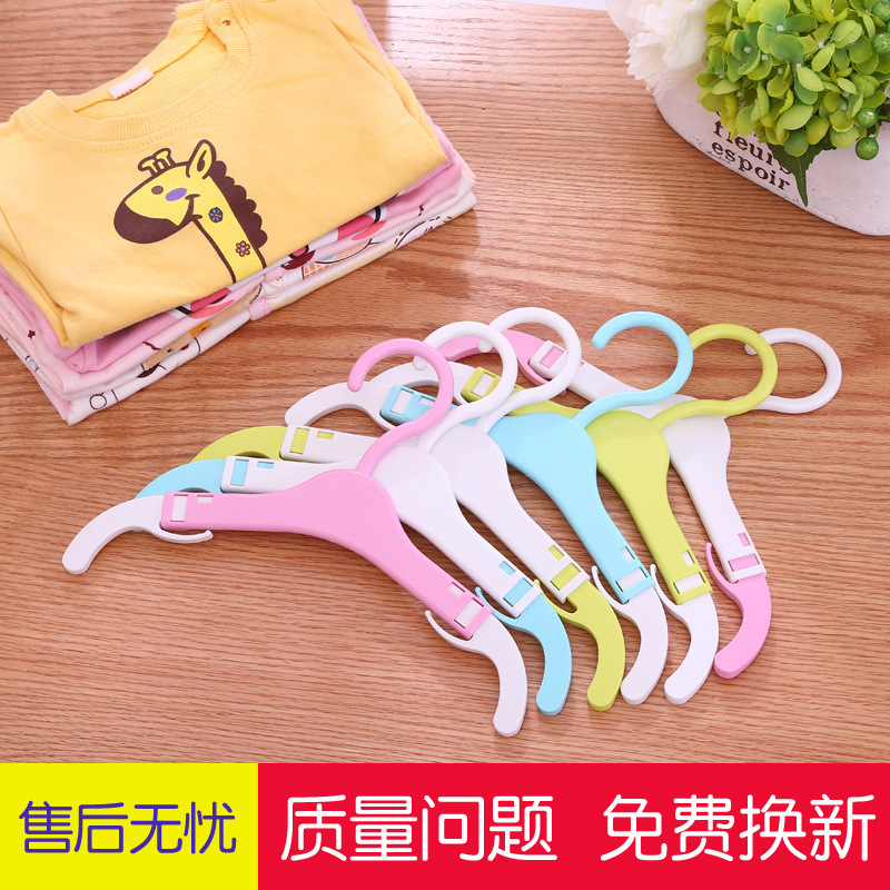 Retractable Clothes Hanger for Cabinets and Wardrobe