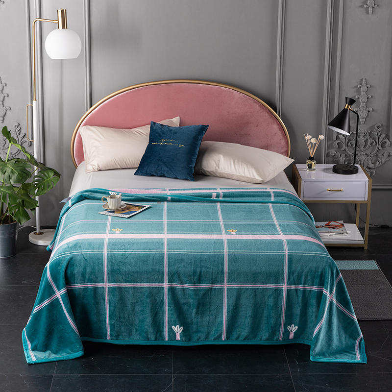 Luxe and Thick Flannel Blankets for Cozy Beds