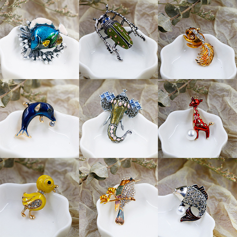 Beautiful and Exaggerated Animal Brooches for Artsy Looks