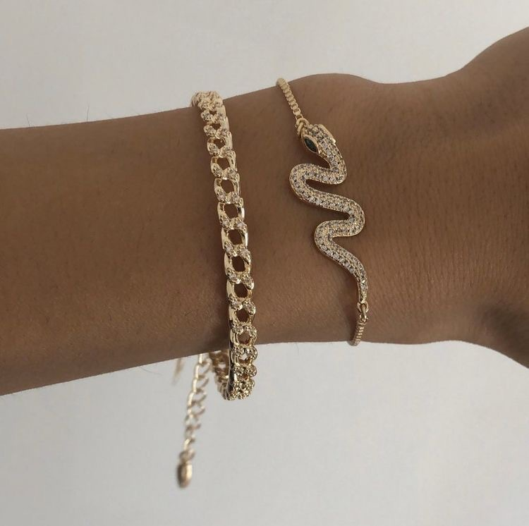 Fashionable Gold-Plated Bangle Bracelet Set with Snake Design for Going to Semi-Formal Events