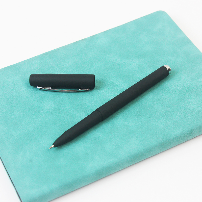 Black Ink Luxe Pen for Office Use