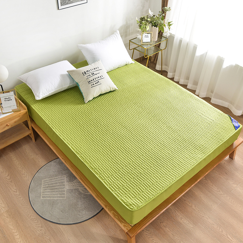 Thick Quilt Bed Sheet for Comfortable Sleep