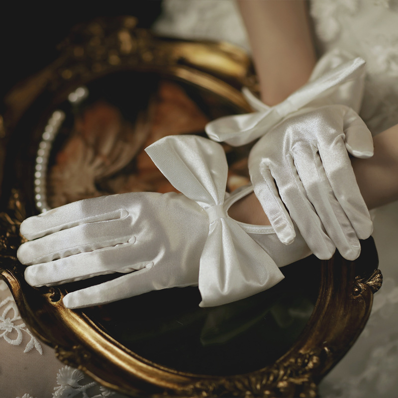 Dazzling Bridal Gloves with Bow Design for Wedding Use