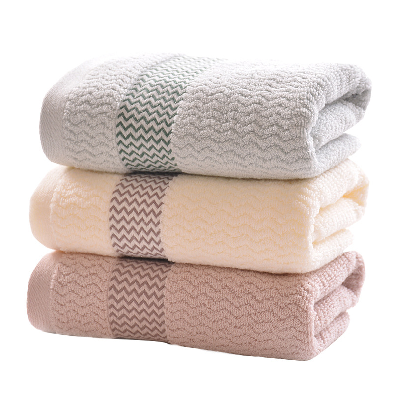 Classic Zigzag Designed Towel for Shower Use