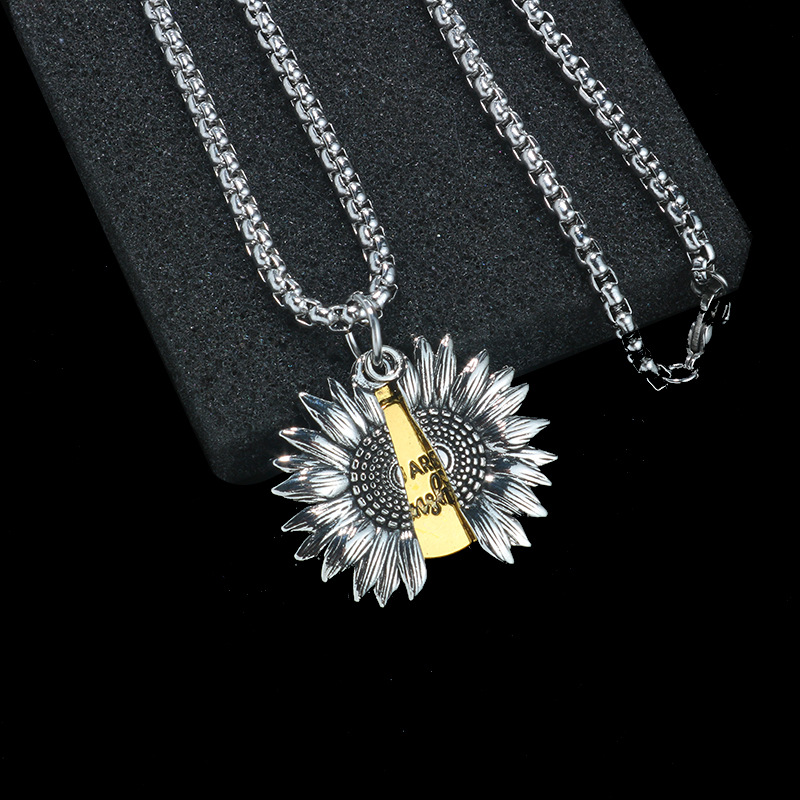 Non-Corrosive Sunflower Pendant Box Chain Necklace for Loose-Fit T-Shirts