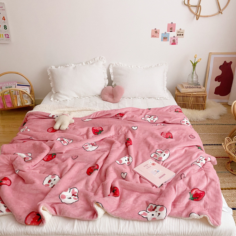 Thickened and Warm Feels Blanket for Cold Season Use