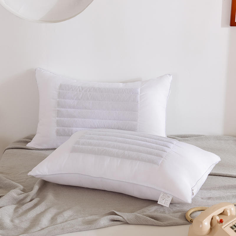 Lightweight Polyester and Buckwheat Pillows for Ultimate Shoulder Relief