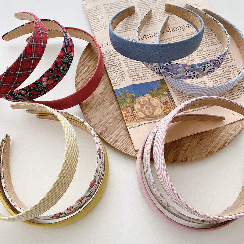 Classic Designs Colored Hair Band for Casual Hair Styling