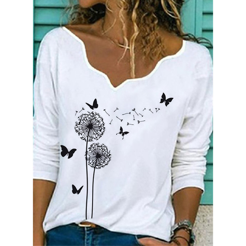 Faint Scallop Neckline Top with Contrast Print for Laidback Looks
