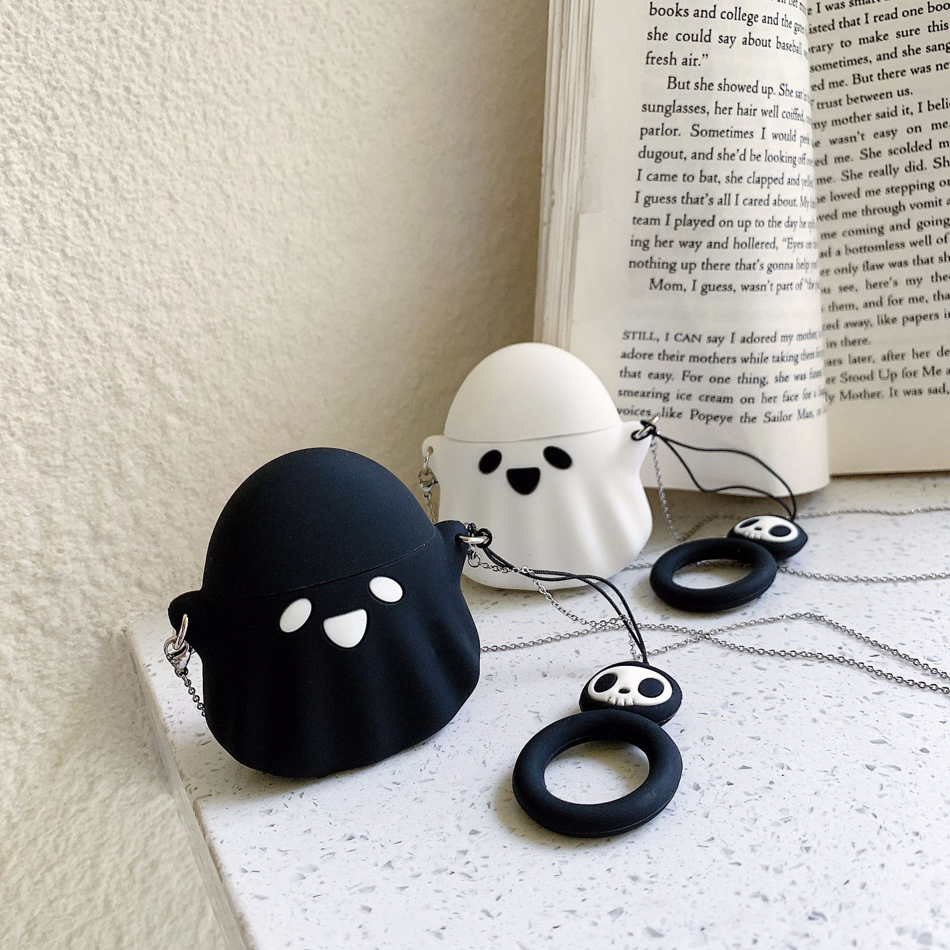 Little Boo AirPods Case