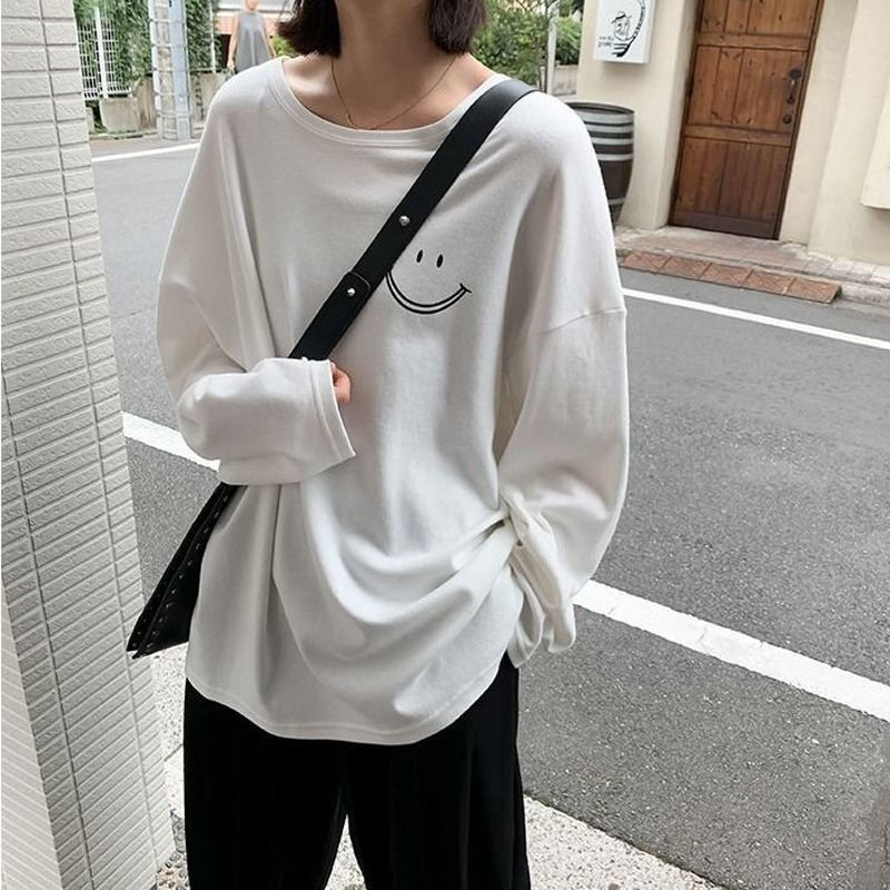 Baggy Smiley Long Sleeves Top for Cold Weather