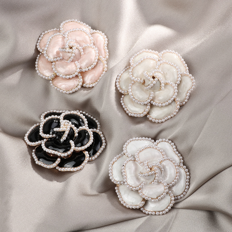 Pearl Lined Hibiscus Flower Brooch for Elegant Collar Pin