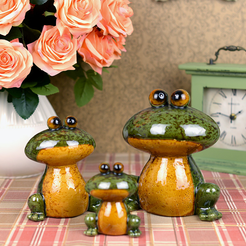 Family of Lucky Frog Decor