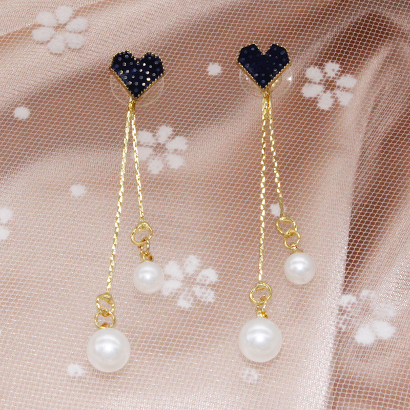 Fancy Hanging Pearls Earrings for Special Occasions