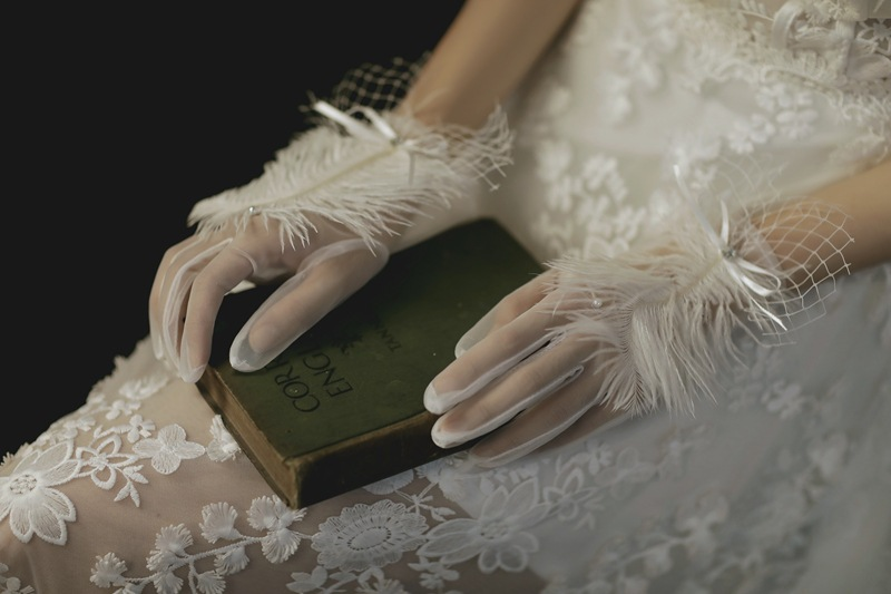Stunning Bridal Gloves with Feather Detailing for Wedding Use