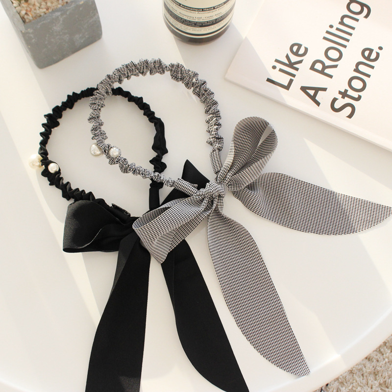 Satiny Ruched Hair Band for Feminine Style